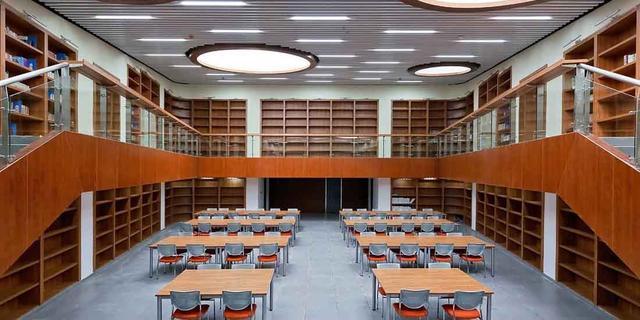 高校图书馆应有序开放