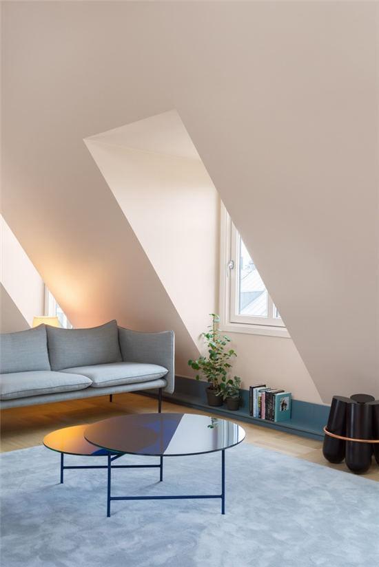 精湛城市蓝 唯美色调搭配阁楼公寓