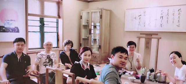 """湘潭美女大学老师辞职 带领90后""""刺头学生""""成功创业"""