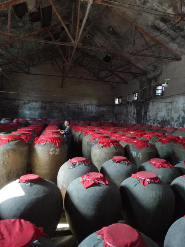 高考5次落榜 扎根乡村传承古法酿酒畅销全国