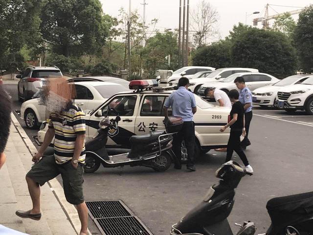 女子误入长沙传销组织 在银行取钱时获解救