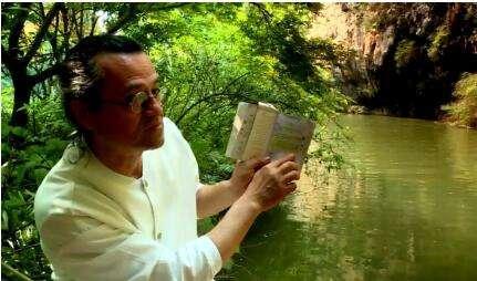 他在湖南设计了一座桥 去的人都是爬着回来的