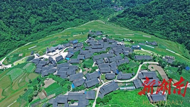 怀化新晃美岩村用发展旅游业战胜贫困