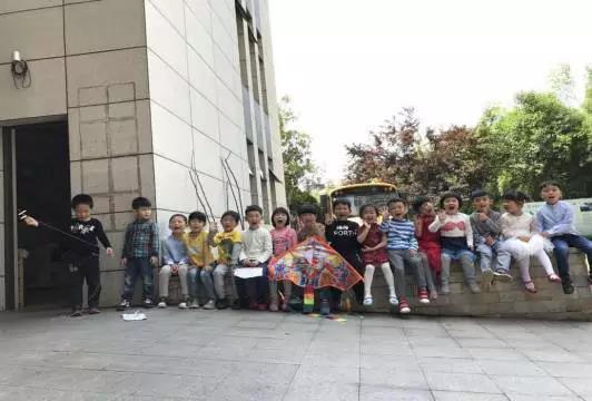 """快乐生态课程 万婴藏珑园K2-C班""""风筝"""""""