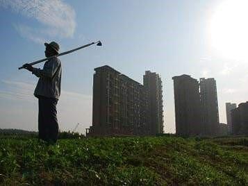 评论:建立长效机制 需要尽快补上土地短板