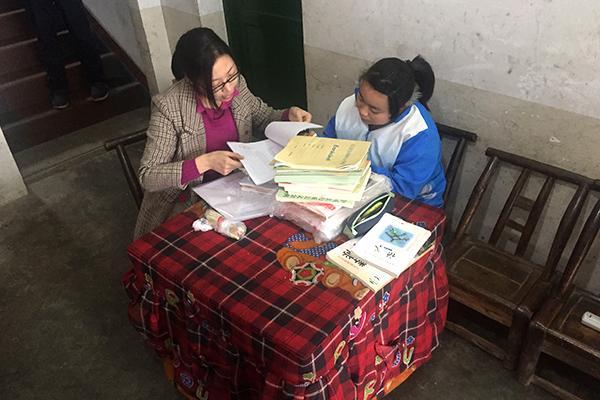 常德石门九名老师送教上门 她在家里圆了上学