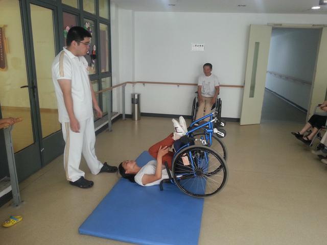 美人鱼肖卓作:残疾不是残废,活着就有可能