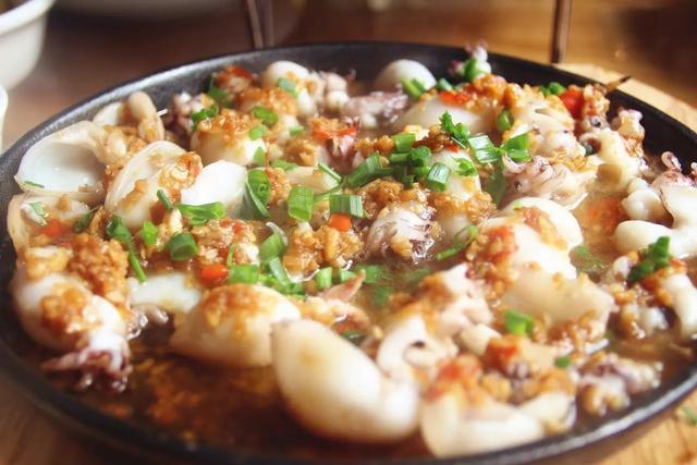长沙这家店夜夜被围攻 人均50吃超大份海鲜锅