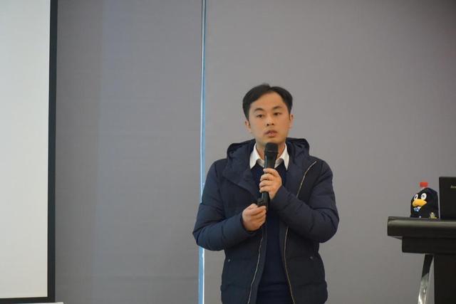 肖海鹏老师现场分享了QQ智慧校园赋能所在高校的情况