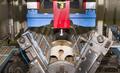 图揭英著名巧克力工厂奶油彩蛋生产过程