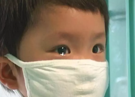 痛惜!5岁男孩突然患上白血病 只因做了这一件事