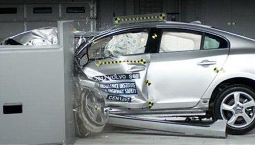 沃尔沃S60碰撞测试-多款豪车未通过美国碰撞 沃尔沃获最优高清图片