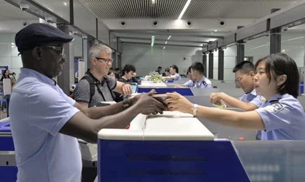 上半年湖南边检总站出入境人数近160万