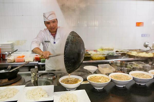 浙工大食堂厨师这张请假条看哭众多学生