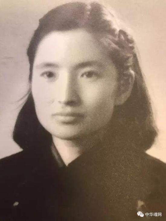 开国上将邓华夫人李玉芝告别仪式举行