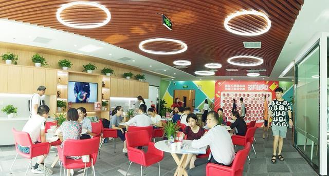 """湖南新东方""""一站式服务中心""""亮相长沙河西"""