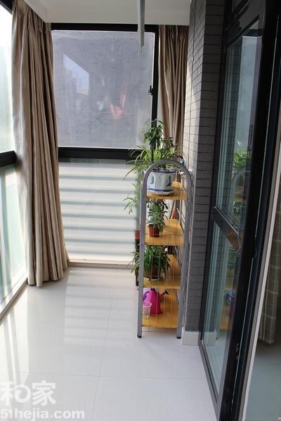 阳台唯一的作用就是用来晾衣服,另外就是晒太阳了.-组图 要简洁实