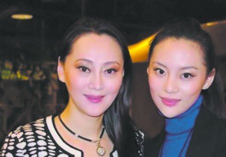 50岁的大宋佳是中国最耀眼的女明星之一,她还在上海戏剧学院读