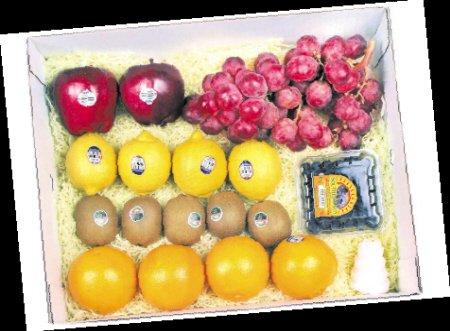 长沙市场出现豪华包装水果礼盒 价格涨四倍图片