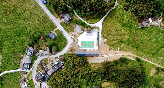 从高空看郴州桂东县沤江镇青竹村的蜕变