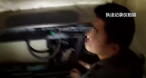 男子在开往怀化的列车偷钱 乘警10分钟破案