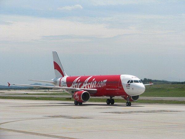 """"""" 兼任泰国亚洲航空公司ceo的塔莎鹏先生在介绍亚洲航空(泰国)公司时"""