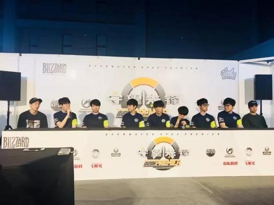 最后再补个刀吧,这一天同样在上海举行的守望先锋APAC总决赛,依然是韩国内战…