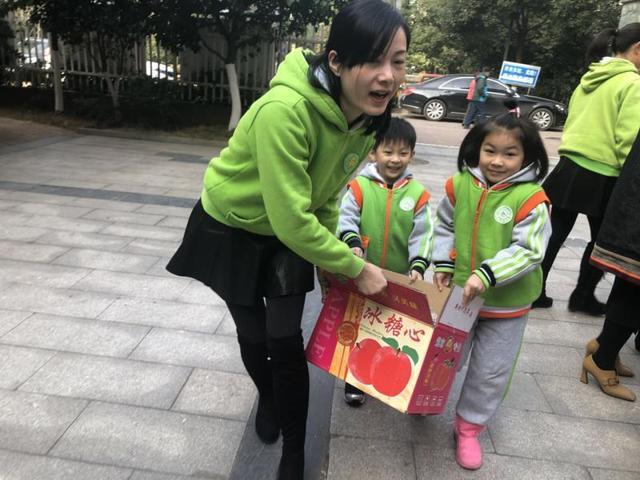 山西农民苹果丰收遭滞销 万婴买近800件解燃眉之急