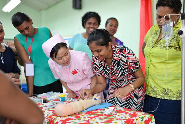 中斐双边首个医疗卫生领域培训班顺利结业 斐济护士为湖南专?#19994;?#36190;