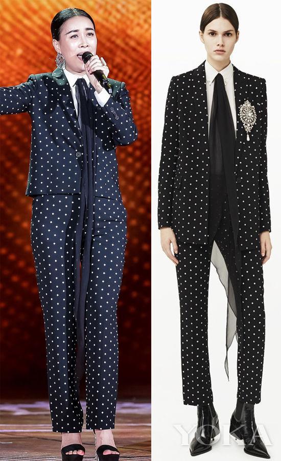那英身穿Givenchy 2015早秋波点套装亮相春晚