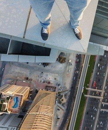 摄影师迪拜摩天大楼俯瞰