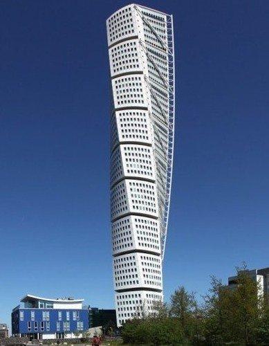 著名摩天大楼也扭曲