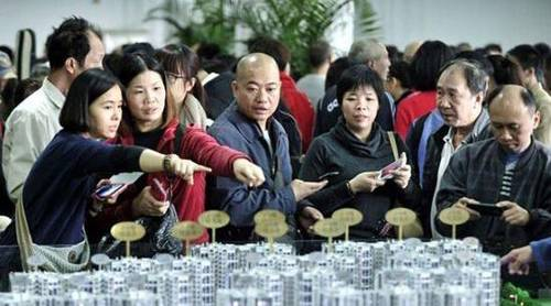 评论:为什么那么多人喜欢春节前买房
