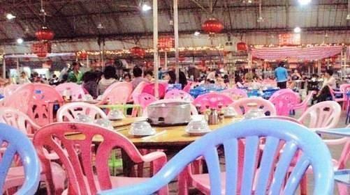 三亚凤凰海鲜美食文化广场主体建筑完成85%