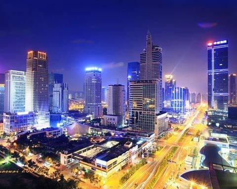 是源于深圳这个城市的高节奏.在这个改革开放的前沿阵地,你甚至