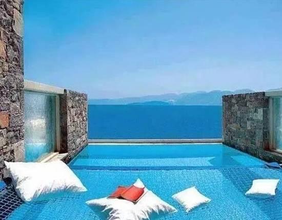 wow这创意设计,全方位360度被湛蓝的美丽包围了,美飘了!