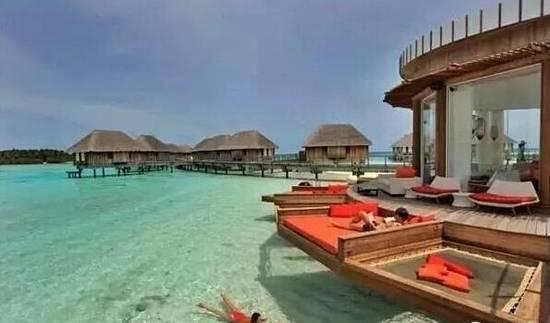 创意君想陪你在马尔代夫岸边睡一觉