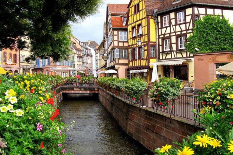 """科尔马(法国):法国的童话小镇科尔马因其境内运河和花船,享有"""""""