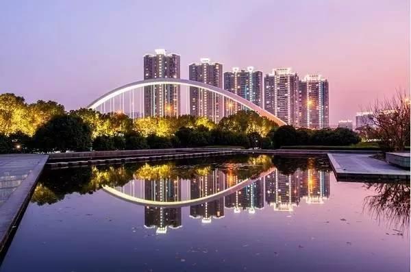 还雕刻着精美的高音谱号.-宁波最美的十座桥 去过才算宁波人