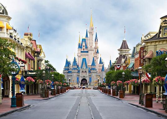 上海迪士尼小镇首批租户 多家香港企业落户