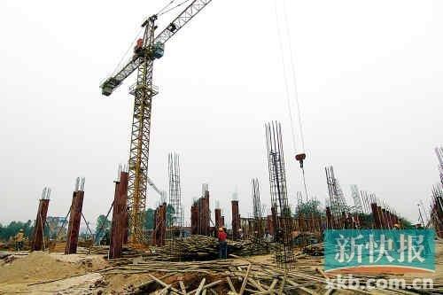 全国地王频现推高楼价预期 开发商豪赌未来楼价