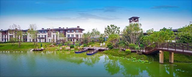 配套| 鸿坤原乡半岛 打造京津首席大湖别墅区