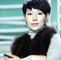 李玮峰老婆_李玮峰妻子