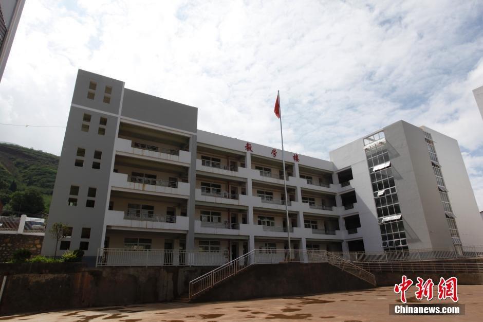云南鲁甸地震一周年 镜头记录鲁甸震后生活图片