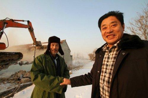 2012年12月24日,山东东营,东城沙营村军属老汉纪庆玉在住
