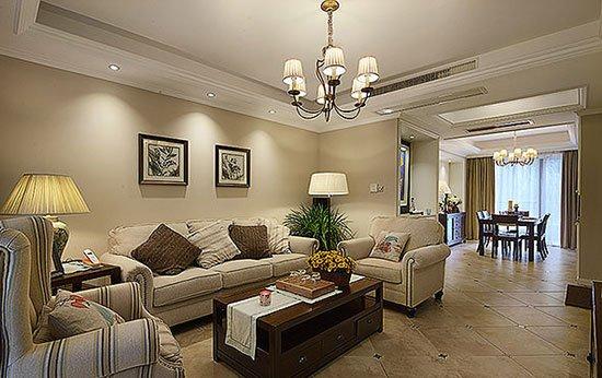 空间基调,米色布艺沙发与咖啡色木质茶几的搭配显得更具层次性,图片