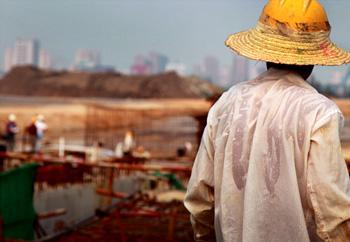 【侃房哥】农民工进城才是救市良方