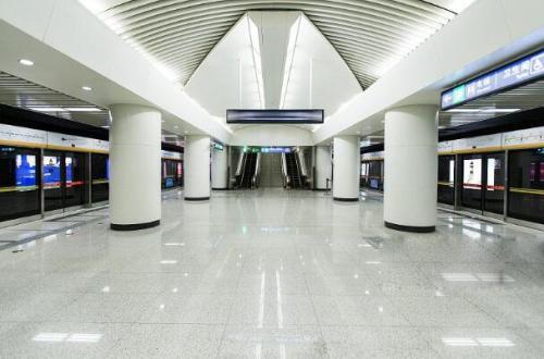 立体交通迅达全城 中铁华侨城·和园距地铁500米