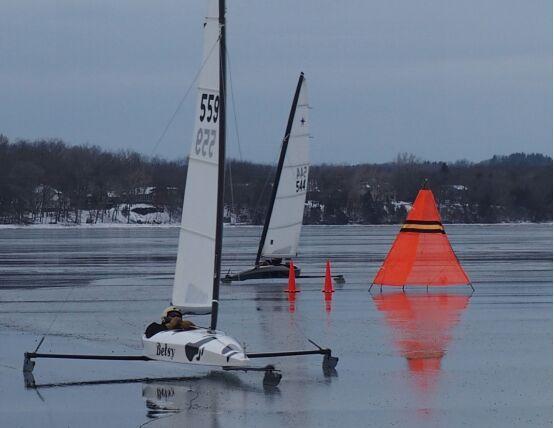 冬季冰雪游 五大湖上的极速诱惑!