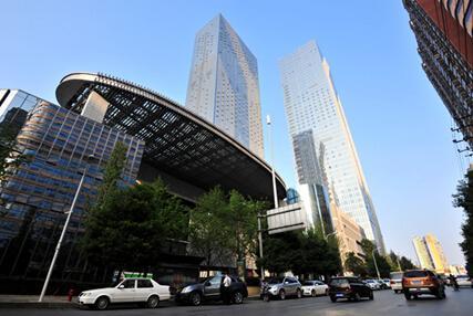 泊富国际广场目前热推27-105㎡奢装顶级国际公寓,标准参照五